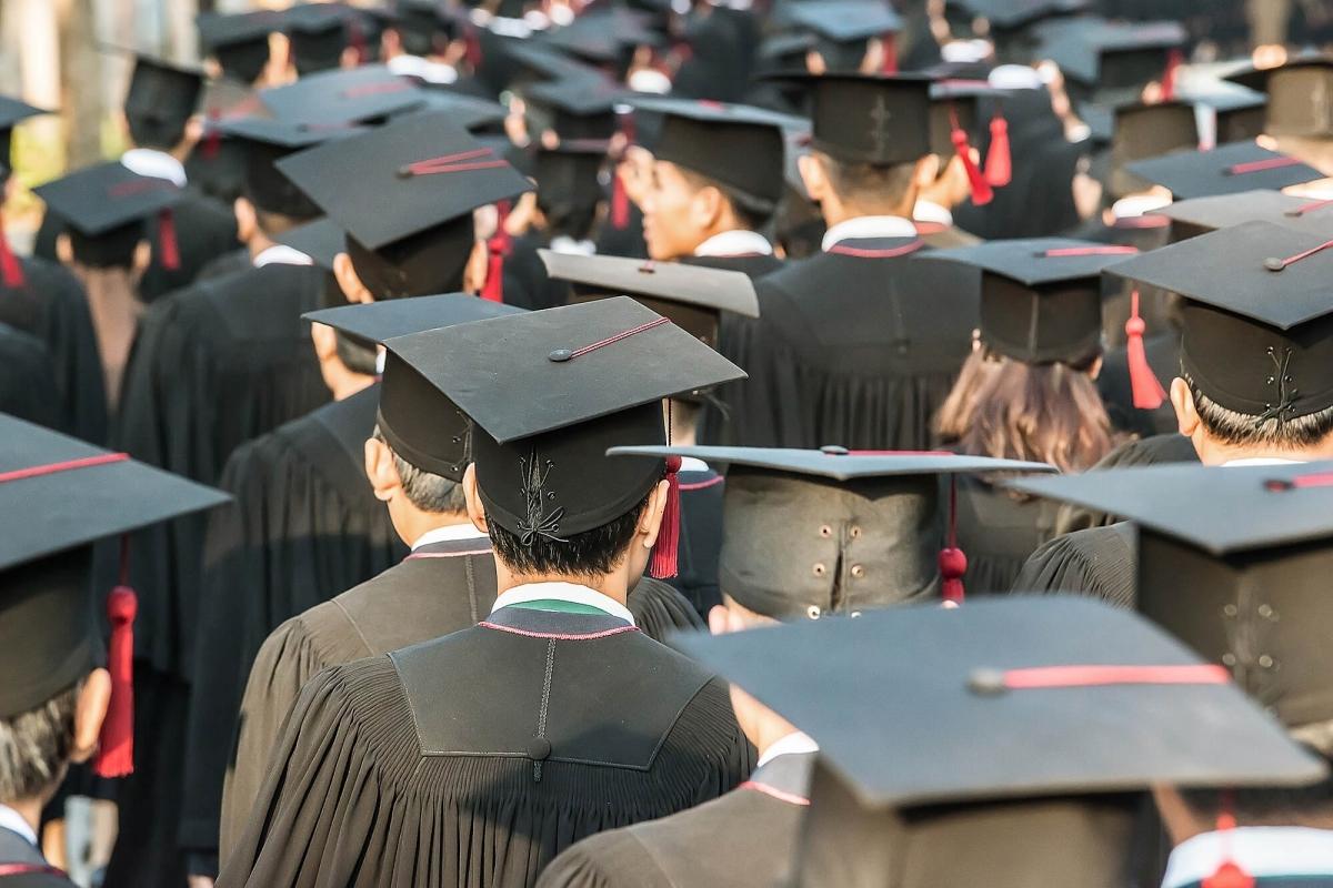 Image for Casper College graduation story.