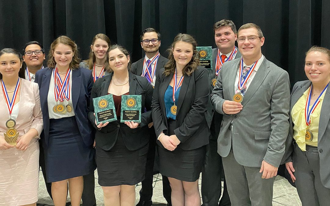 Debate team gather wins at first spring tournament